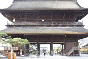 【急げ!】紅葉の信州・長野善光寺を格安で見に行くひとり旅ツアーを思いついた【日帰り旅行プラン案】
